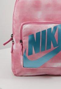 Nike Sportswear - CLASSIC - Batoh - magic flamingo/cerulean - 4