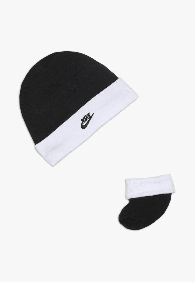 FUTURA HAT AND BOOTIE BABY SET - Čepice - black