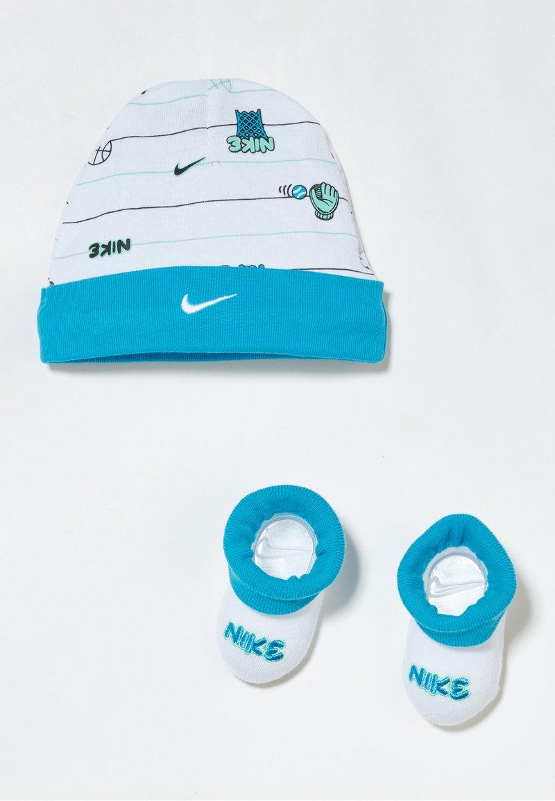 Nike Sportswear - HAT BABY SET - Geboortegeschenk - white