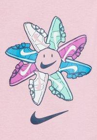 Nike Sportswear - FEMME BABY SET - Cadeau de naissance - pink - 3