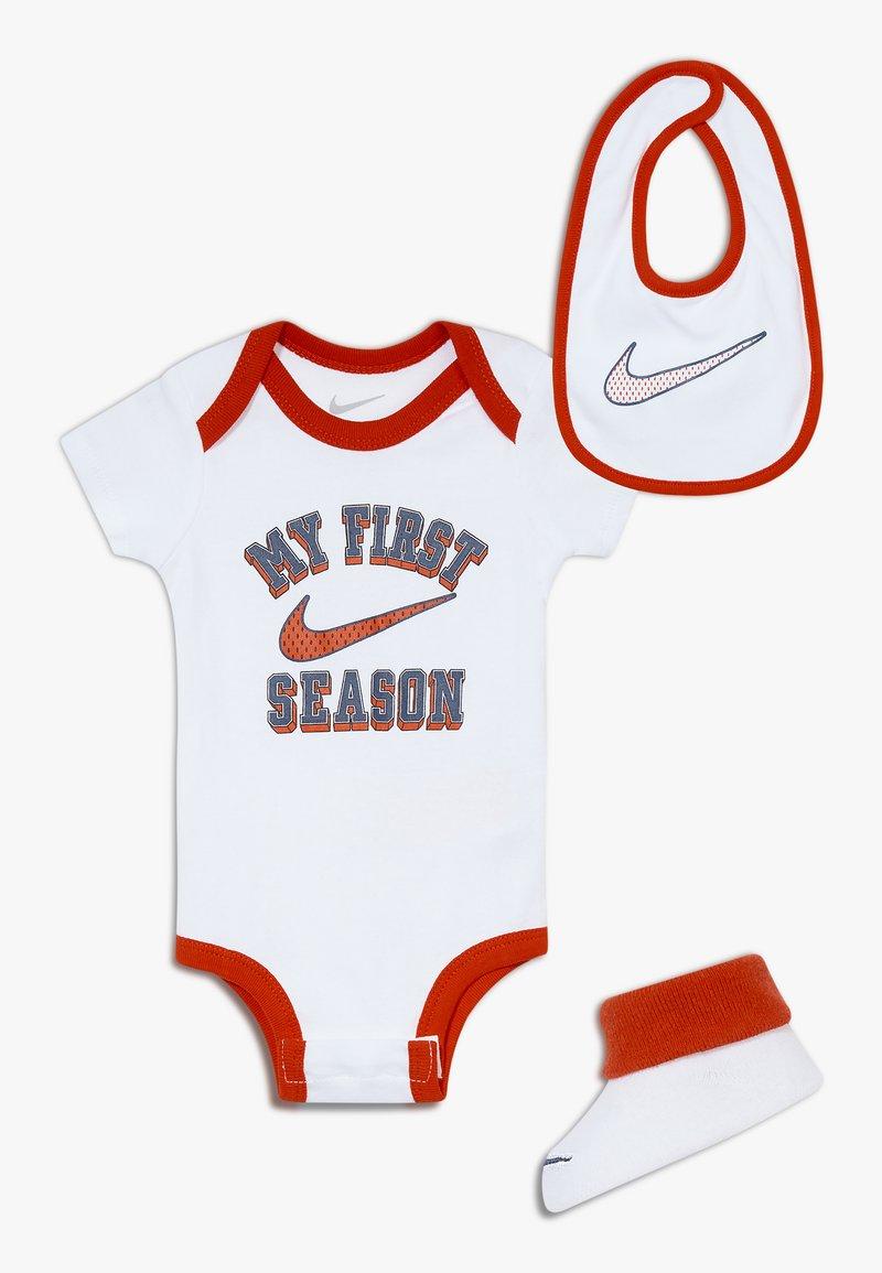 Nike Sportswear - VERBIAGE SET BABY 3 PACK - Cadeau de naissance - white