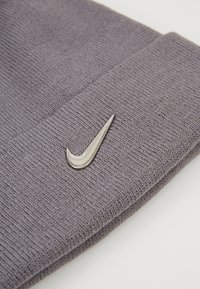 Nike Sportswear - BEANIE - Muts - gunsmoke - 3