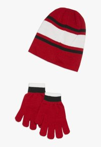 Nike Sportswear - STRIPE BEANIE GLOVE SET - Hansker - university red - 1