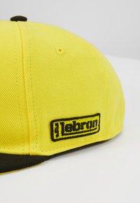 Nike Sportswear - LIL AUTOS - Kšiltovka - chrome yellow - 2