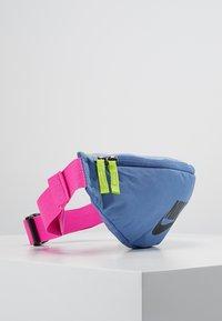 Nike Sportswear - HERITAGE HIP PACK - Vyölaukku - indigo storm/indigo fog/black - 3