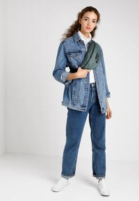 Nike Sportswear - HERITAGE HIP PACK - Ledvinka - mineral spruce/black - 5