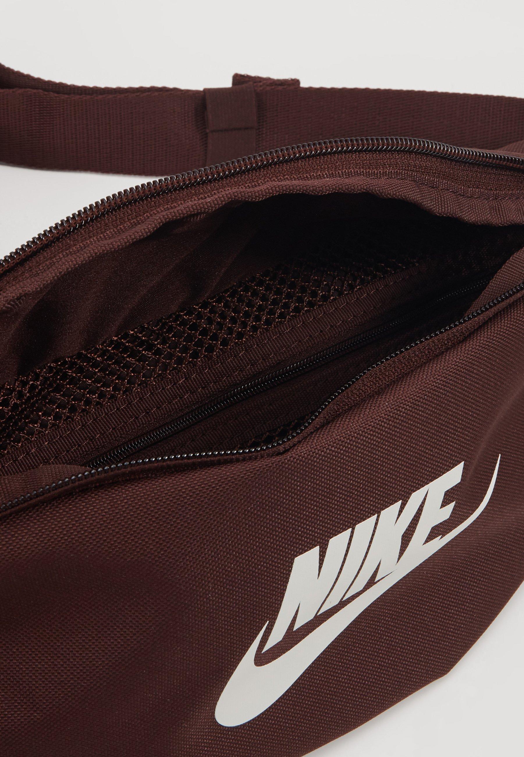 Nike Sportswear Heritage Hip Pack - Saszetka Nerka Earth/earth/pale Ivory