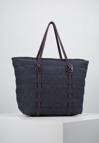 Nike Sportswear - TOTE - Tote bag - gridiron/bright crimson/white - 2
