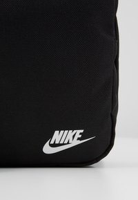 Nike Sportswear - HERITAGE SMIT - Across body bag - black - 7