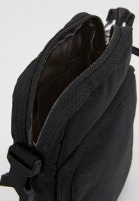 Nike Sportswear - HERITAGE SMIT - Across body bag - black - 4