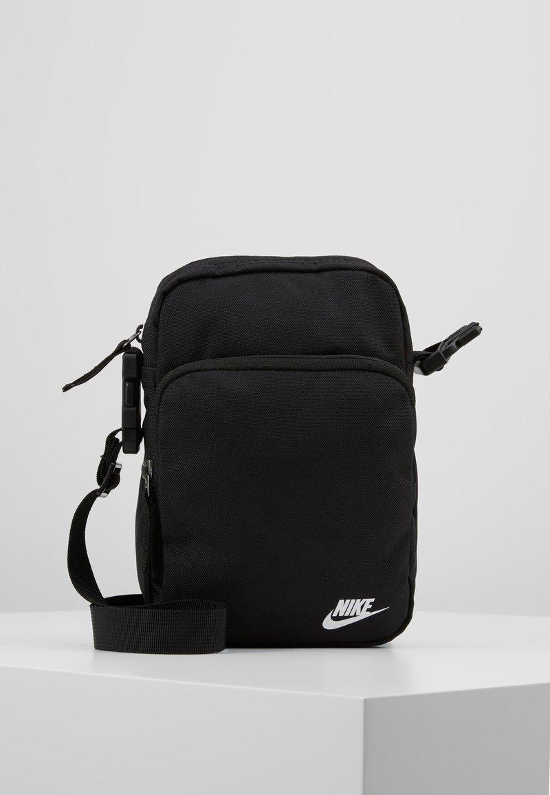 Nike Sportswear - HERITAGE SMIT - Skulderveske - black