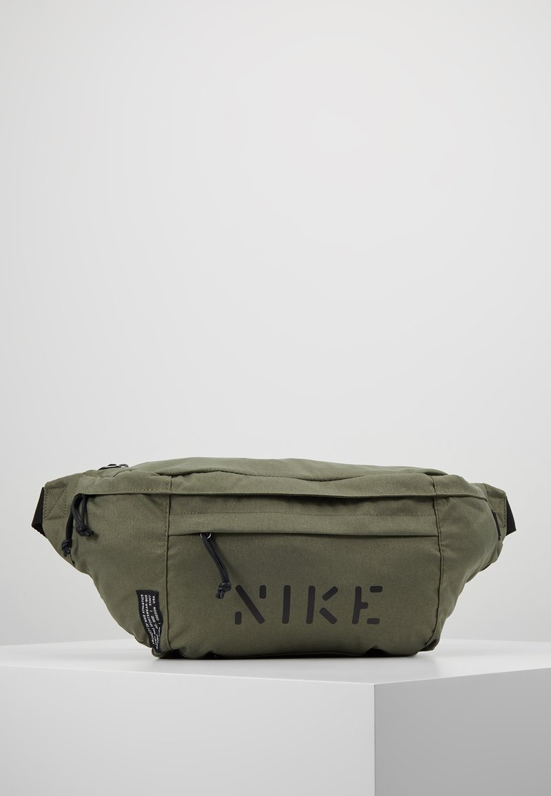Nike Sportswear - TECH HIP PACK  - Gürteltasche - medium olive/black