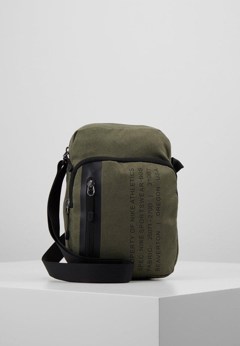 Nike Sportswear - TECH SMIT - Across body bag - medium olive/black