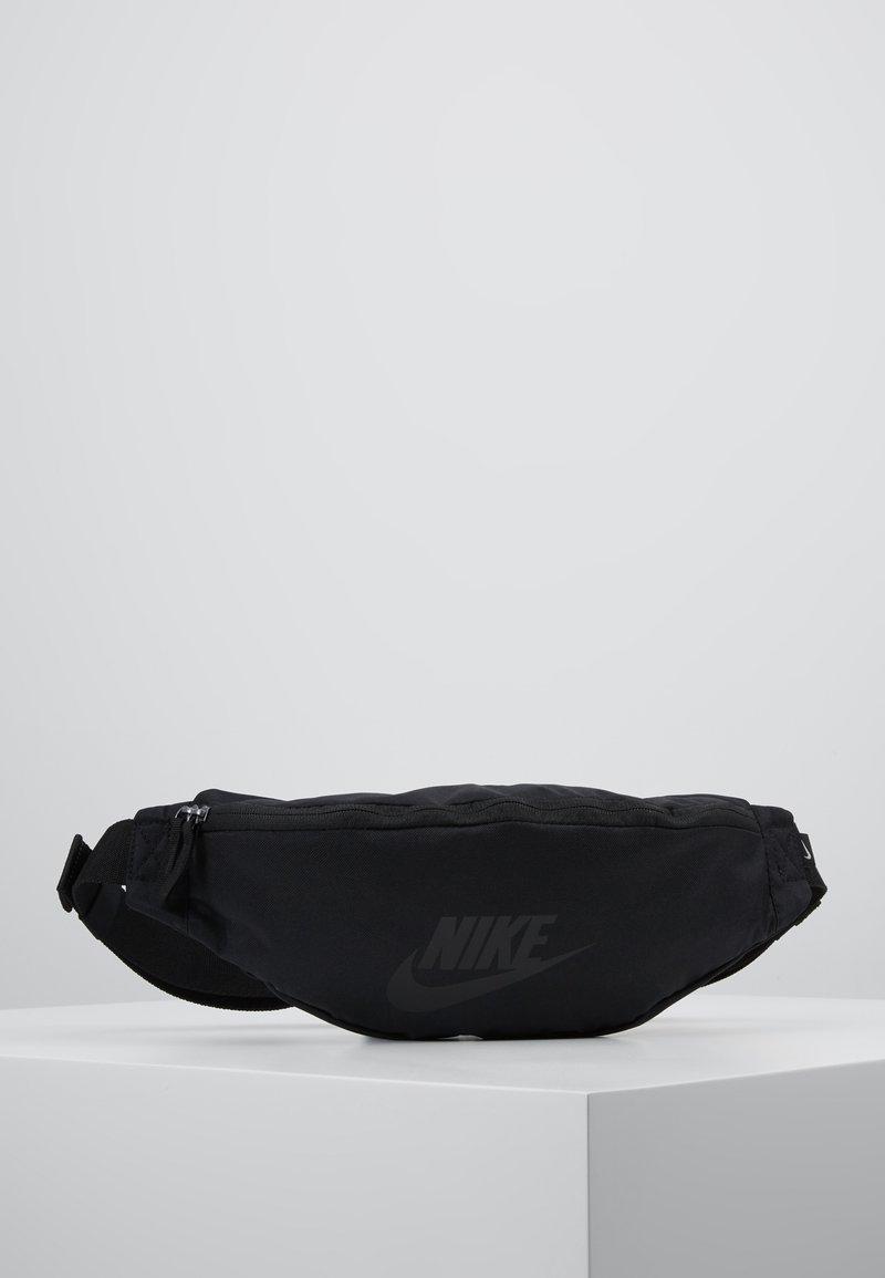 Nike Sportswear - HERITAGE HIP PACK - Heuptas - black/glossy black