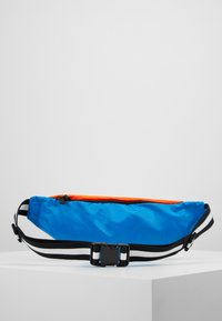 Nike Sportswear - NK HERITAGE HIP PACK  - Ledvinka - jade stone/hyper crimson/white - 2