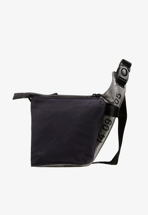 CROSSBODY - Across body bag - gridiron/metallic silver/black