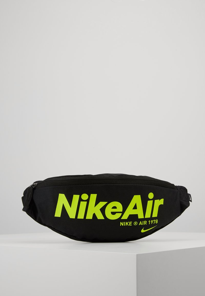 Nike Sportswear - HERITAGE - Vyölaukku - black/black/volt