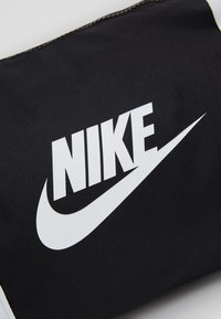Nike Sportswear - HERITAGE - Sports bag - black/white - 8