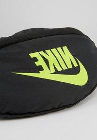Nike Sportswear - HERITAGE HIP PACK  - Rumpetaske - dark smoke grey/black/volt - 3