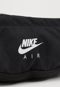 Nike Sportswear - HERITAGE HIP PACK - Heuptas - black/white - 6