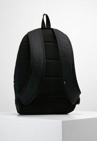 Nike Sportswear - HERITAGE LABEL - Mochila - black/orange blaze - 2