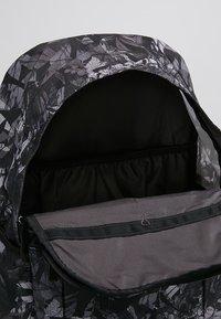 Nike Sportswear - ACCESS SOLEDAY  - Sac à dos - atmosphere grey/black - 4
