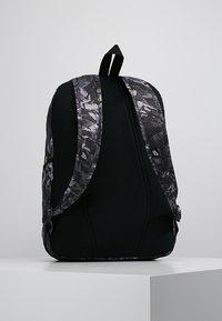 Nike Sportswear - ACCESS SOLEDAY  - Sac à dos - atmosphere grey/black - 2