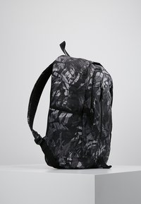 Nike Sportswear - ACCESS SOLEDAY  - Sac à dos - atmosphere grey/black - 3