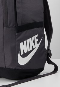 Nike Sportswear - Reppu - thunder grey/black - 5