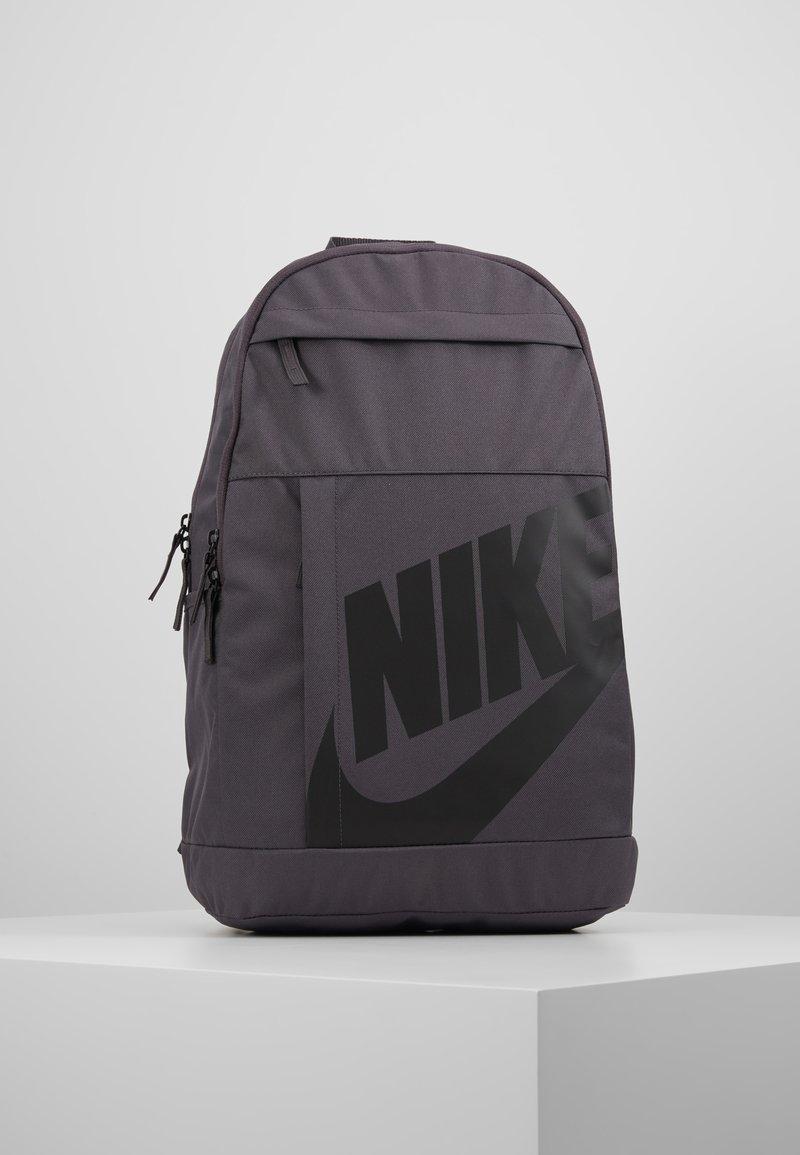 Nike Sportswear - NIKE ELEMENTAL 2.0 - Reppu - thunder grey/black
