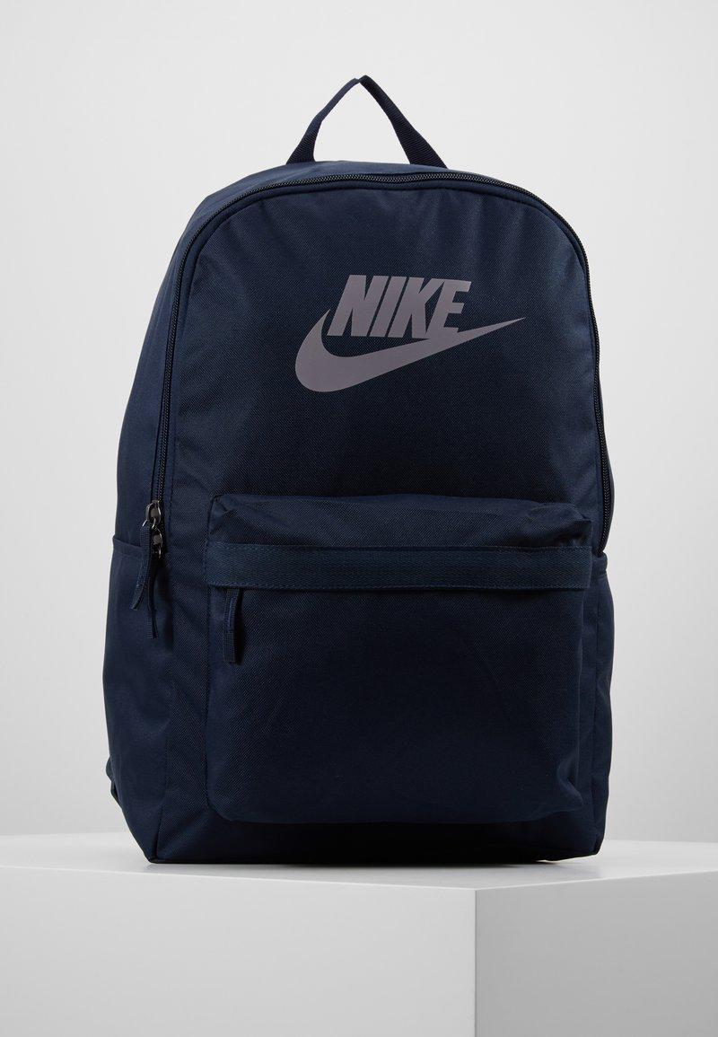 Nike Sportswear - HERITAGE - Tagesrucksack - obsidian/atmosphere grey