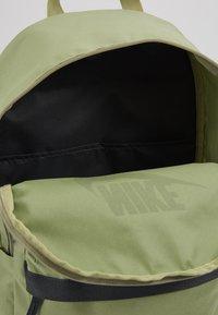 Nike Sportswear - HERITAGE - Rucksack - dusty olive/dark smoke grey - 5