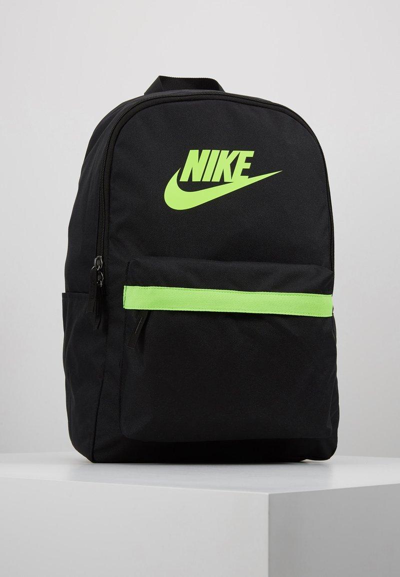 Nike Sportswear - HERITAGE - Reppu - black/electric green