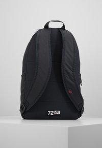 Nike Sportswear - Sac à dos - dark smoke grey/track red - 2