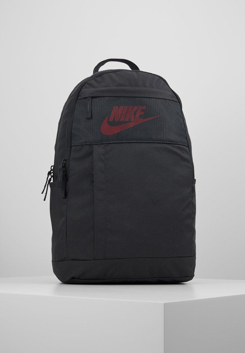 Nike Sportswear - Reppu - dark smoke grey/track red