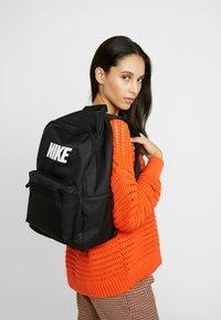 Nike Sportswear - HERITAGE  - Tagesrucksack - black - 5