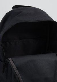 Nike Sportswear - HERITAGE  - Tagesrucksack - black - 4