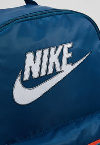 Nike Sportswear - HERITAGE - Sac à dos - blue force/white - 7