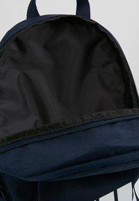 Nike Sportswear - Reppu - obsidian/white - 4