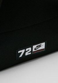 Nike Sportswear - Ryggsäck - black/white - 7