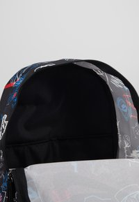 Nike Sportswear - HERITAGE - Reppu - black/white - 3