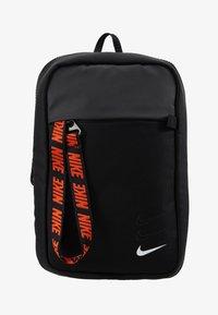 Nike Sportswear - NIKE SPORTSWEAR ESSENTIALS HÜFTTASCHE - Across body bag - black/white - 8