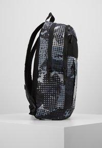 Nike Sportswear - Sac à dos - black/light smoke grey - 3