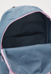 Nike Sportswear - NIKE AIR HERITAGE - Rucksack - ozone blue/light arctic pink - 2