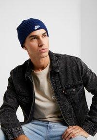 Nike Sportswear - CUFFED BEANIE - Beanie - blue void - 1