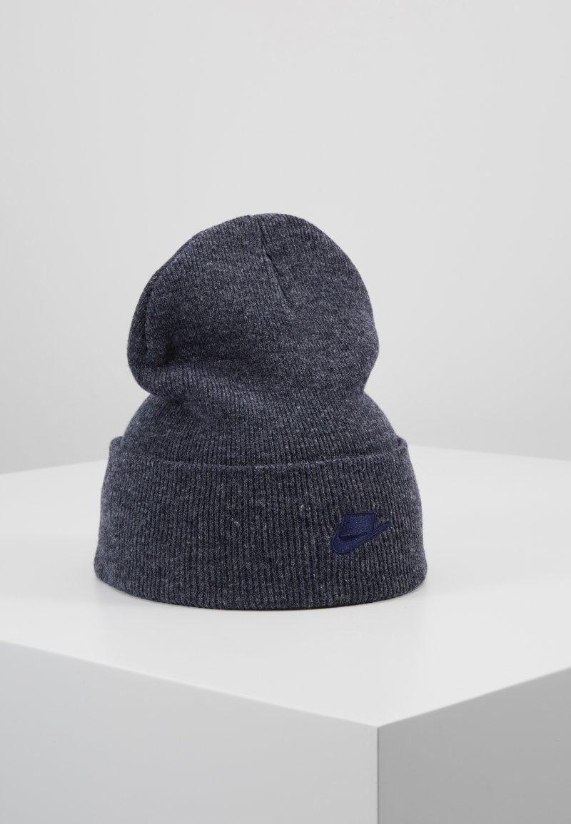 Nike Sportswear - CUFFED BEANIE - Čepice - blackened blue
