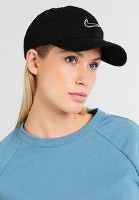 Nike Sportswear - Gorra - black - 5