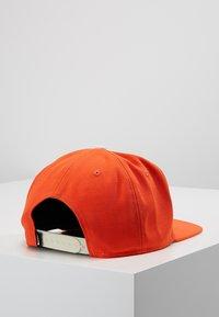 Nike Sportswear - FUTURA PRO - Keps - team orange - 2