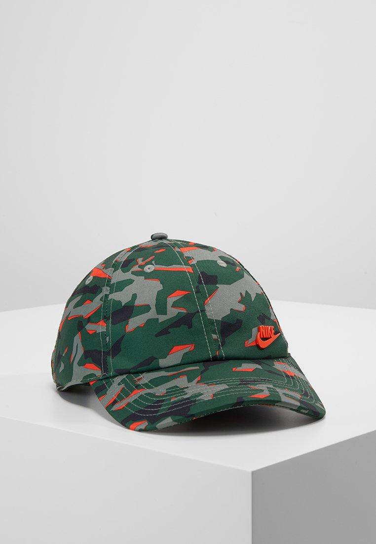 Nike Sportswear - METAL FUTUR - Cap - olive/red