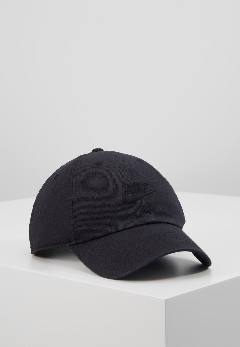 Nike Sportswear - FUTURA WASHED - Pet - black